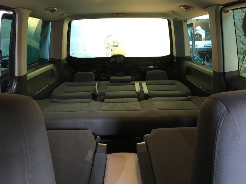 Démontage complet espace AR d'un Multivan Confortline 2006 Bqt511