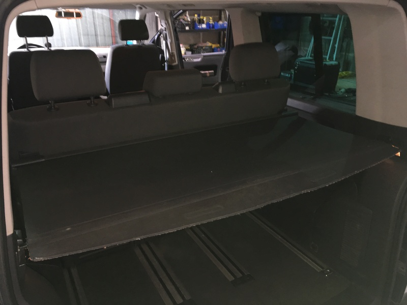 Démontage complet espace AR d'un Multivan Confortline 2006 Bqt711
