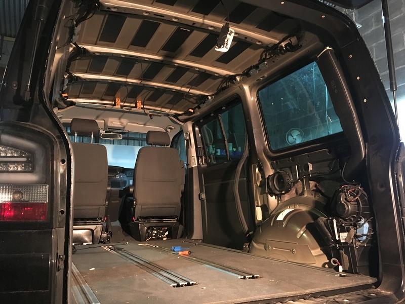 Démontage complet espace AR d'un Multivan Confortline 2006 Img_5912