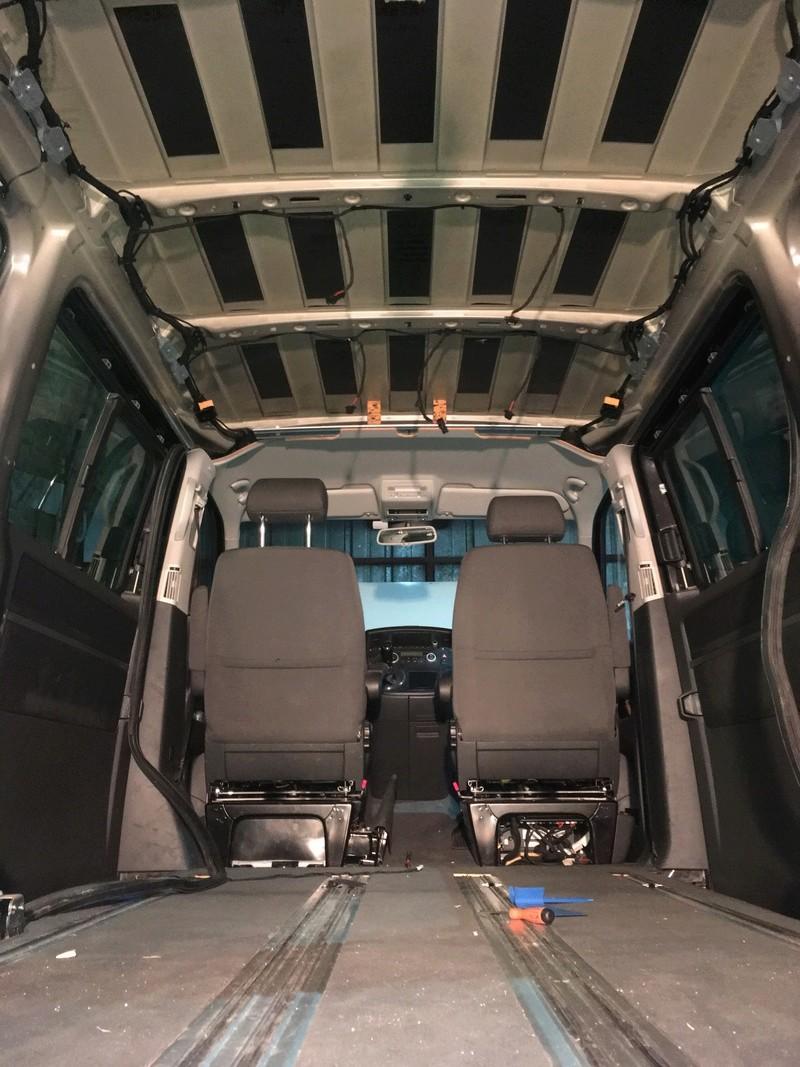 Démontage complet espace AR d'un Multivan Confortline 2006 Img_5913