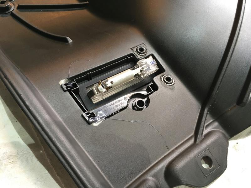 Démontage complet espace AR d'un Multivan Confortline 2006 - Page 3 Img_6444