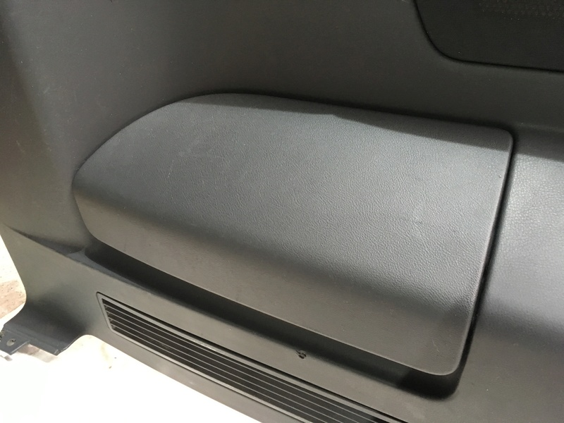 Démontage complet espace AR d'un Multivan Confortline 2006 - Page 3 Img_6449