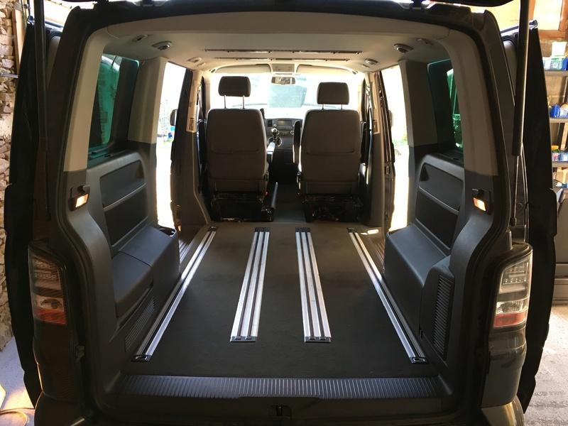 Démontage complet espace AR d'un Multivan Confortline 2006 Planch12