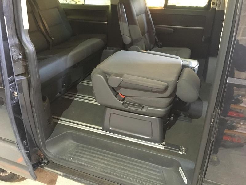 Démontage complet espace AR d'un Multivan Confortline 2006 S1510