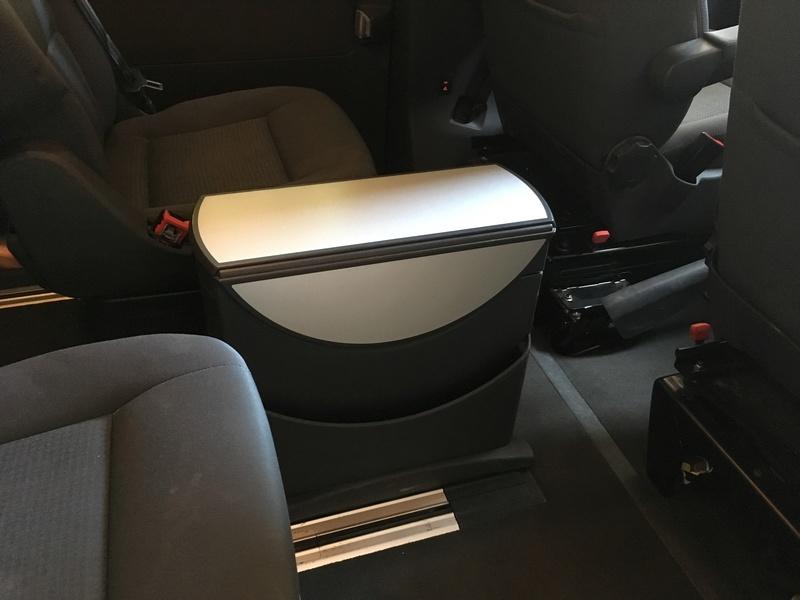 Démontage complet espace AR d'un Multivan Confortline 2006 T210