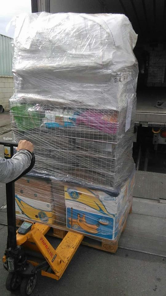 9 Feb - 2 pallets aangekomen bij Canis y Felis 227