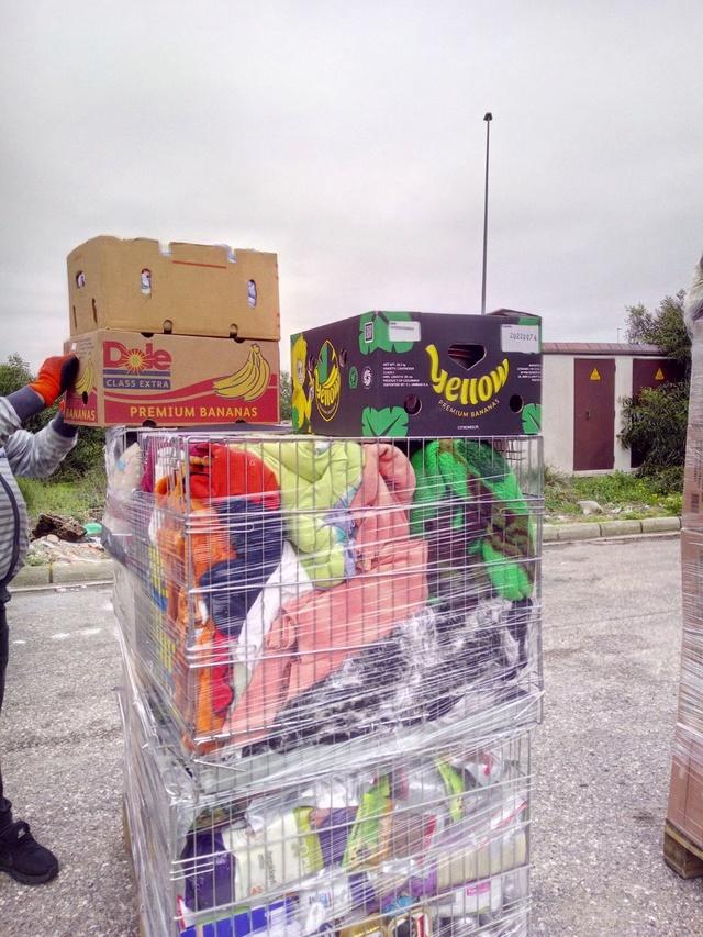 2 pallets aangekomen bij GatoPerro 46b40210