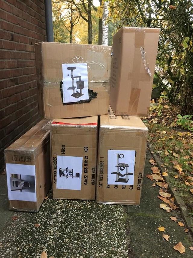 December - Een aantal donaties/goederen 47358910