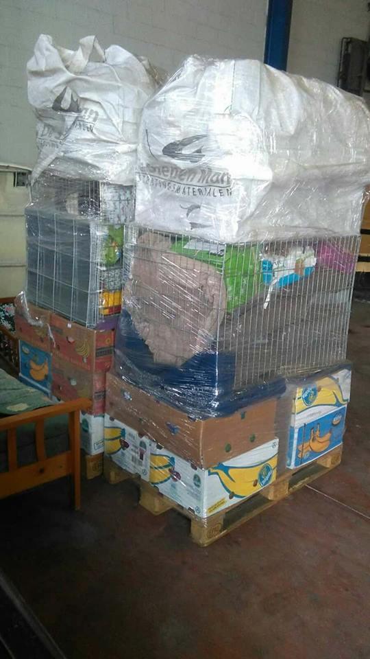 9 Feb - 2 pallets aangekomen bij Canis y Felis 526