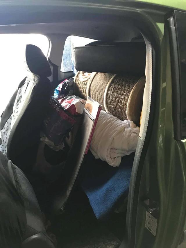 9 Feb - 2 pallets aangekomen bij Canis y Felis 921