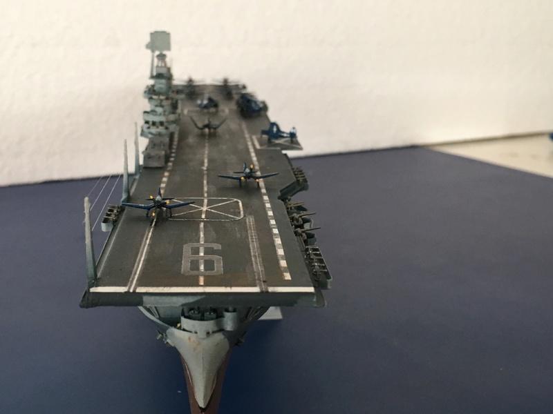 USS ESSEX 1/700 Italeri Img_0411