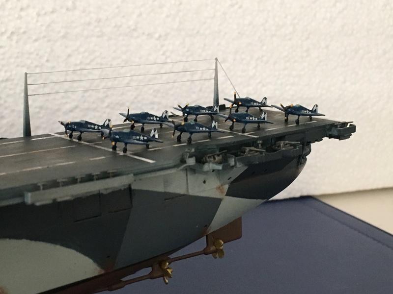 USS ESSEX 1/700 Italeri Img_0416