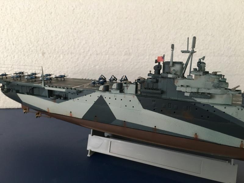USS ESSEX 1/700 Italeri Img_0418