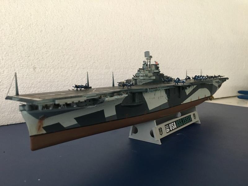 USS ESSEX 1/700 Italeri Img_0421
