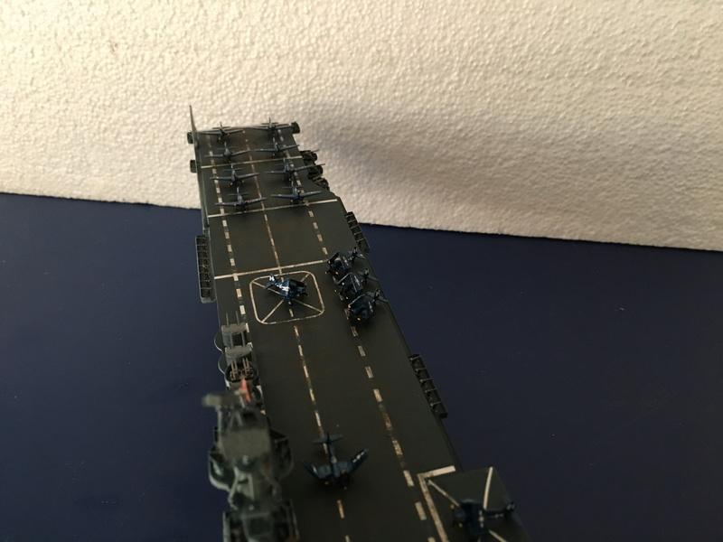 USS ESSEX 1/700 Italeri Img_0423