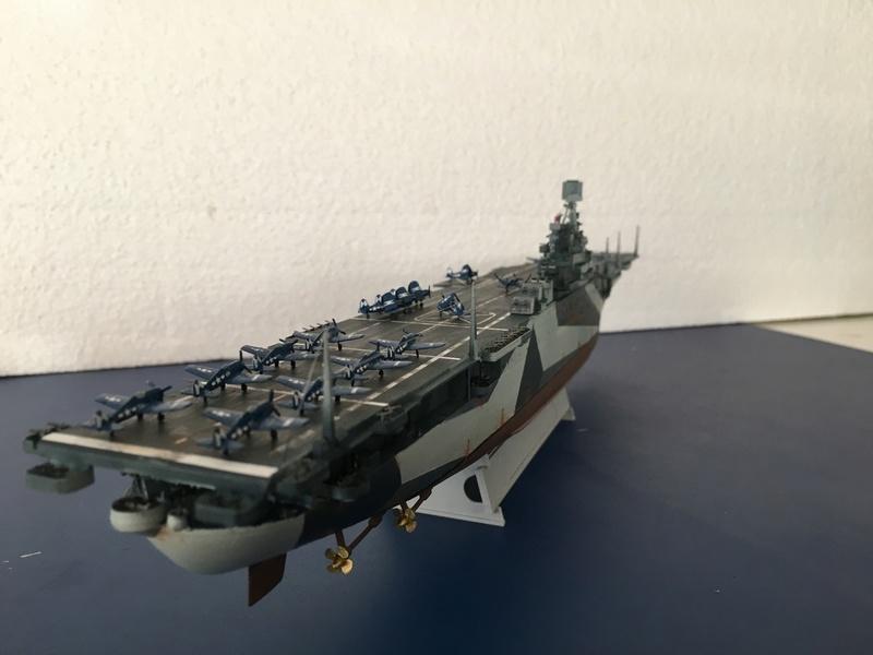 USS ESSEX 1/700 Italeri Img_0514