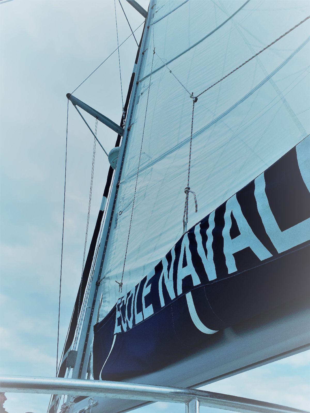 [ Marine à voile ] Catamaran Virginie Hériot voilier de l'Ecole Navale 10_et_10