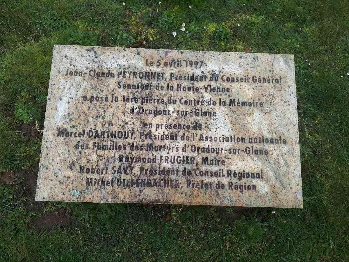 [ Histoire et histoires ]  Voyage pédagogique à Oradour-sur-Glane (87) avec des lycéens de Fouesnant 12_arr10