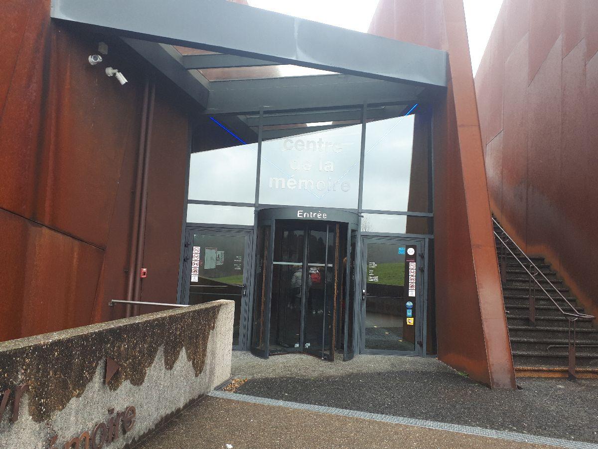 [ Histoire et histoires ]  Voyage pédagogique à Oradour-sur-Glane (87) avec des lycéens de Fouesnant 14_et_10