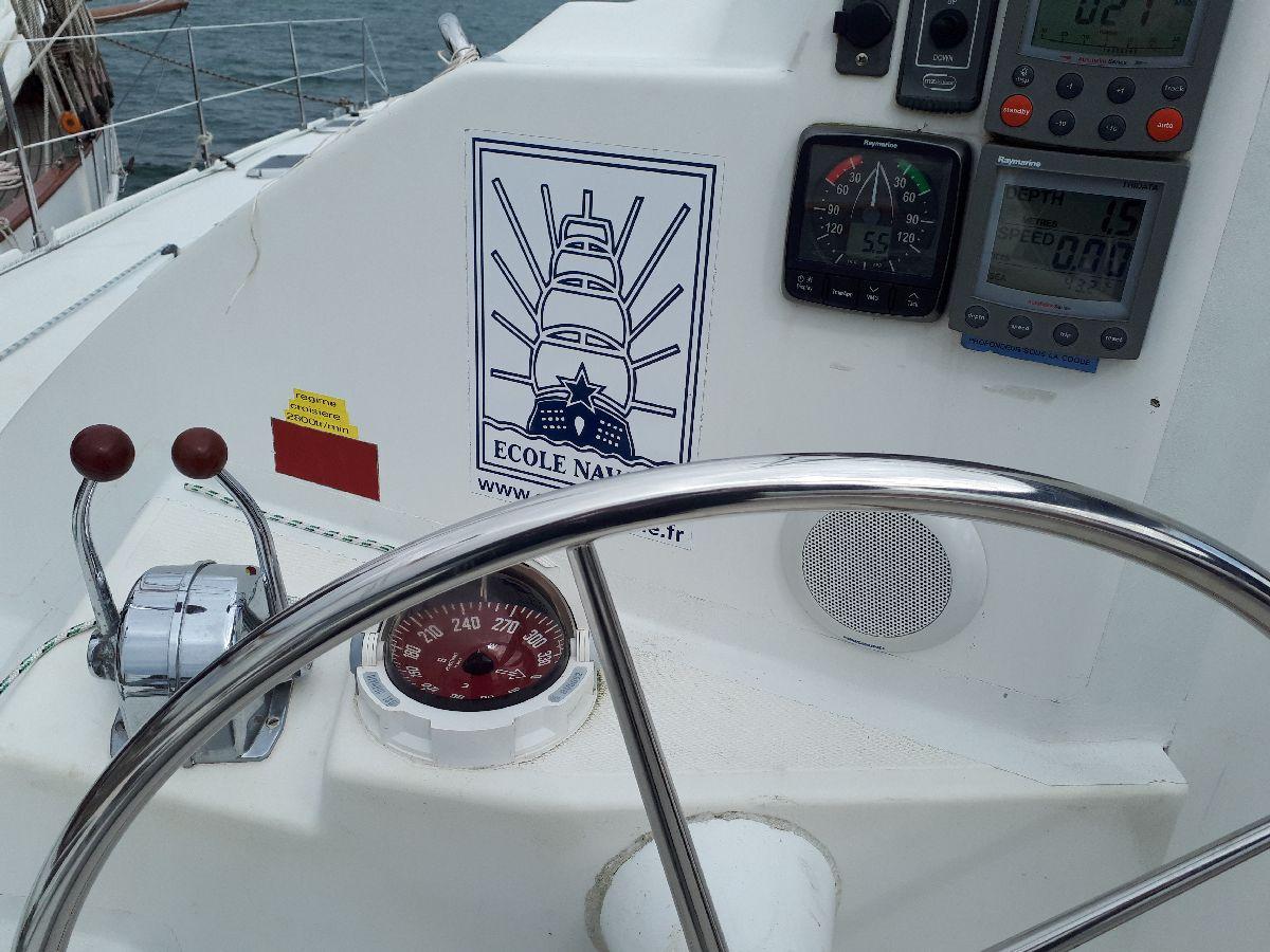 [ Marine à voile ] Catamaran Virginie Hériot voilier de l'Ecole Navale 16_l_u10