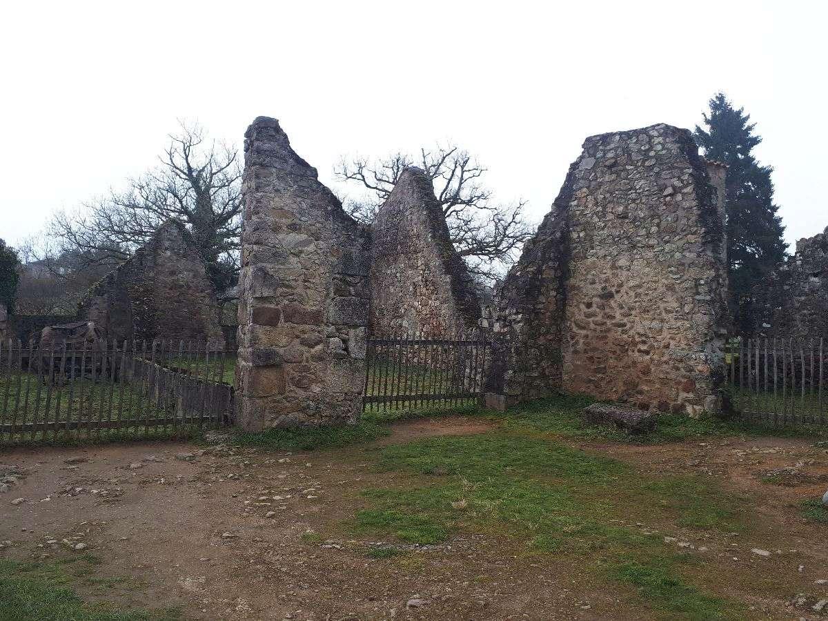 [ Histoire et histoires ]  Voyage pédagogique à Oradour-sur-Glane (87) avec des lycéens de Fouesnant 2211