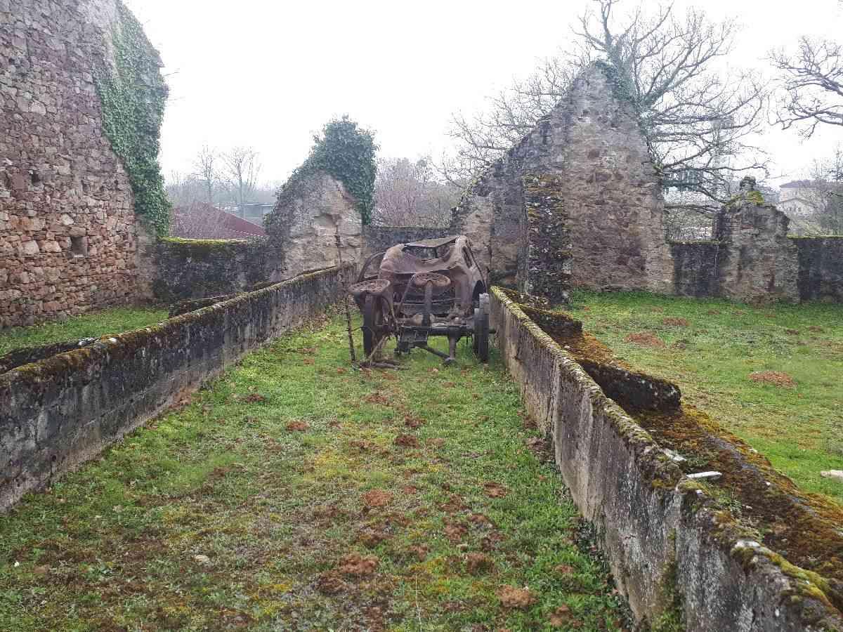 [ Histoire et histoires ]  Voyage pédagogique à Oradour-sur-Glane (87) avec des lycéens de Fouesnant 2311