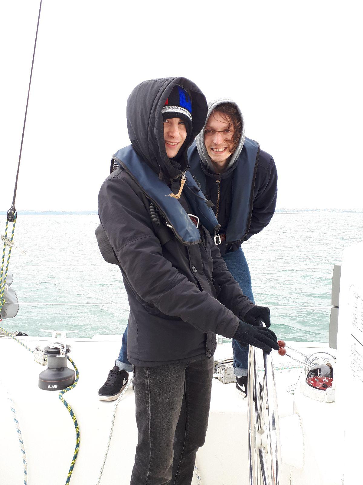 [ Marine à voile ] Catamaran Virginie Hériot voilier de l'Ecole Navale 2412