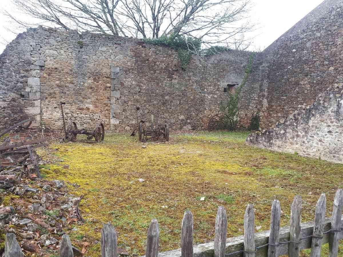[ Histoire et histoires ]  Voyage pédagogique à Oradour-sur-Glane (87) avec des lycéens de Fouesnant 2413