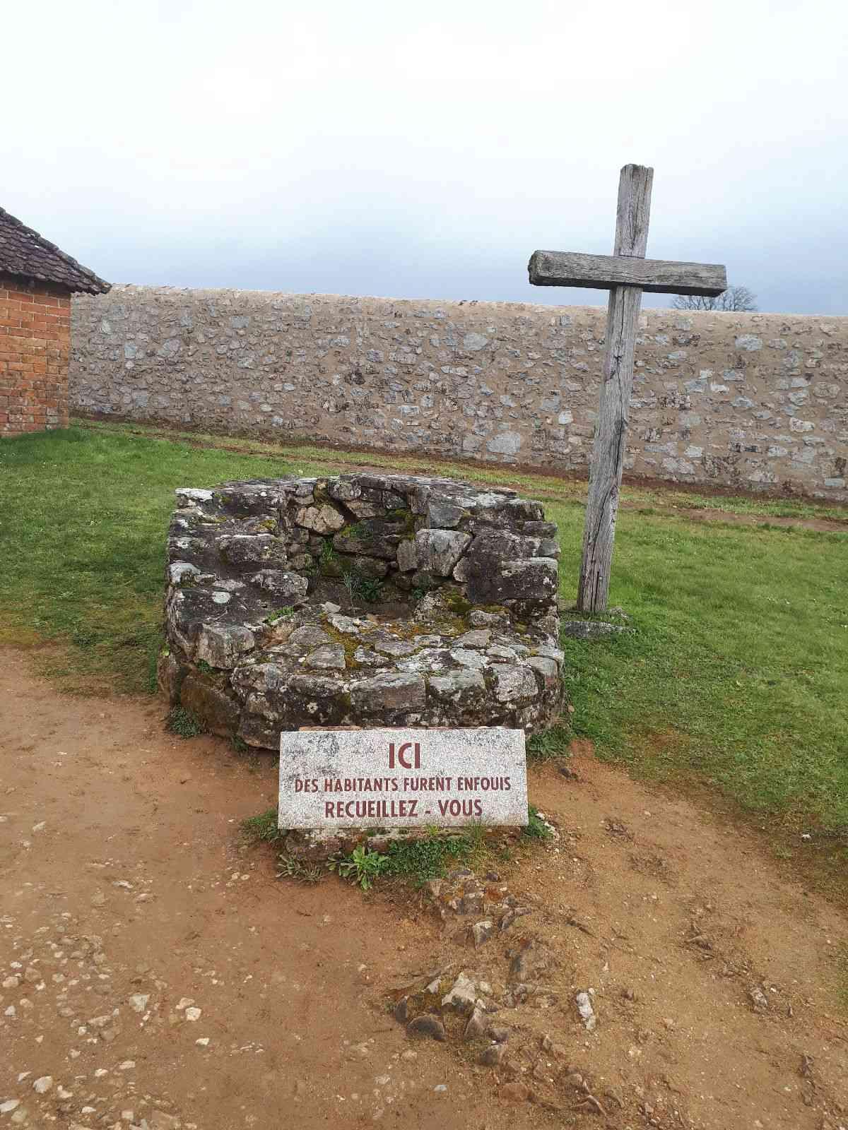 [ Histoire et histoires ]  Voyage pédagogique à Oradour-sur-Glane (87) avec des lycéens de Fouesnant 2512