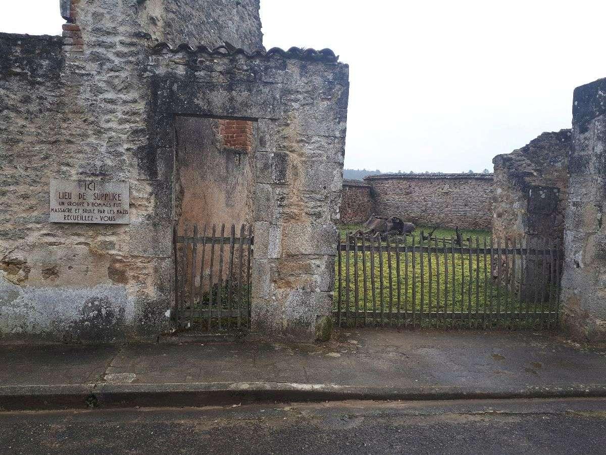 [ Histoire et histoires ]  Voyage pédagogique à Oradour-sur-Glane (87) avec des lycéens de Fouesnant 2711