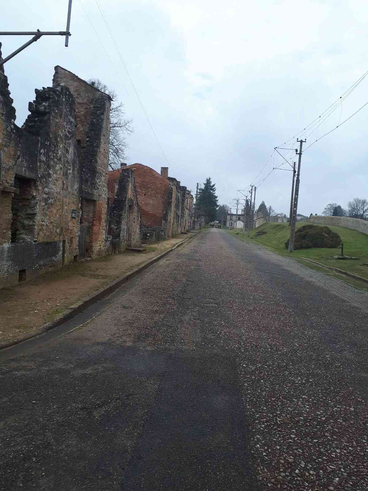 [ Histoire et histoires ]  Voyage pédagogique à Oradour-sur-Glane (87) avec des lycéens de Fouesnant 2912