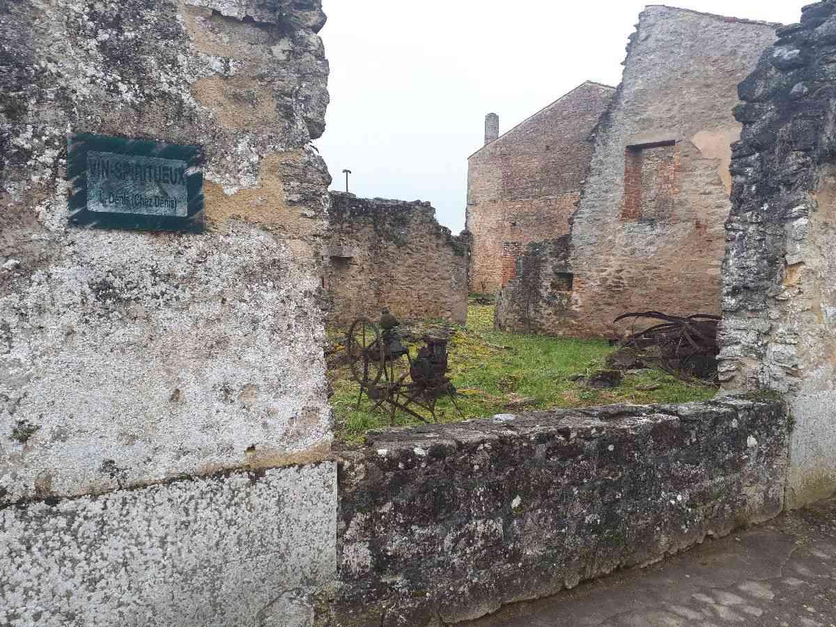 [ Histoire et histoires ]  Voyage pédagogique à Oradour-sur-Glane (87) avec des lycéens de Fouesnant 3011