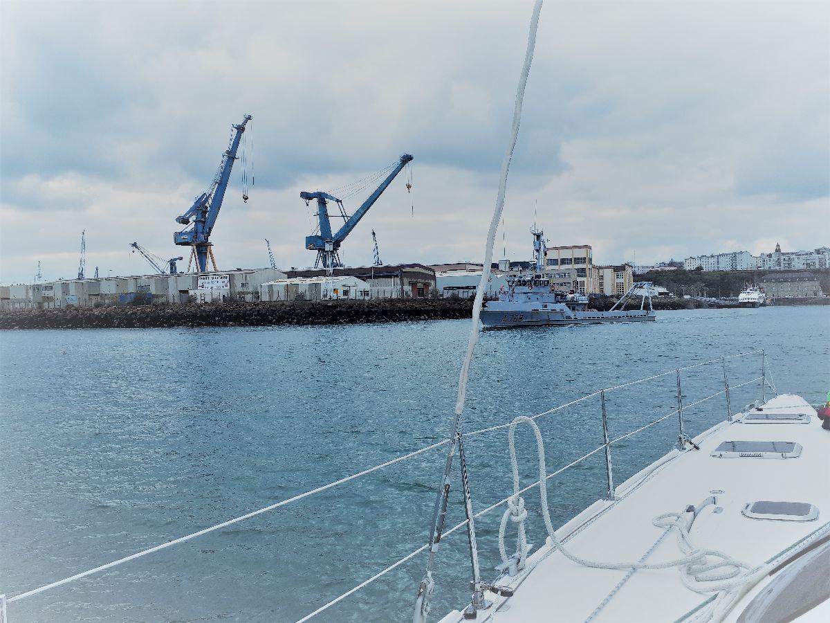 [ Marine à voile ] Catamaran Virginie Hériot voilier de l'Ecole Navale 30_et_10