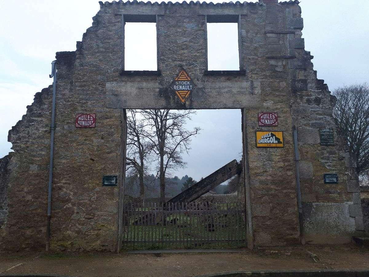 [ Histoire et histoires ]  Voyage pédagogique à Oradour-sur-Glane (87) avec des lycéens de Fouesnant 3110