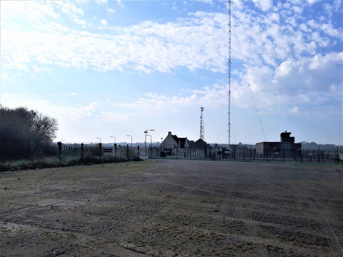 [Les stations radio et télécommunications] La station de Kerlouan 315