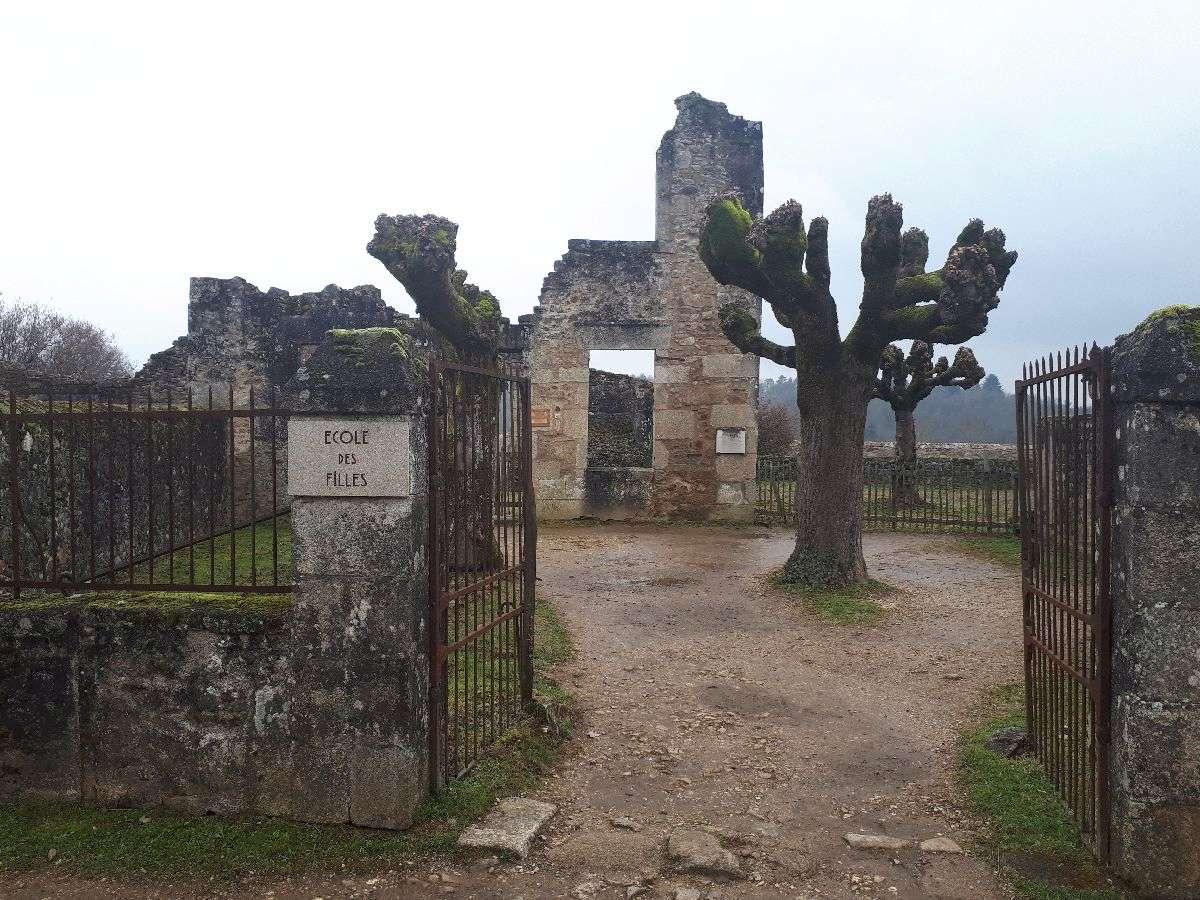 [ Histoire et histoires ]  Voyage pédagogique à Oradour-sur-Glane (87) avec des lycéens de Fouesnant 3511