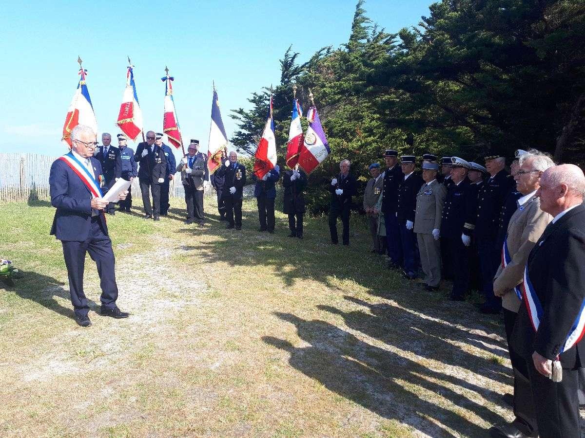 [HISTOIRES ET HISTOIRE] Commémoration du 8 mai 1945 à Fouesnant 3_lect10