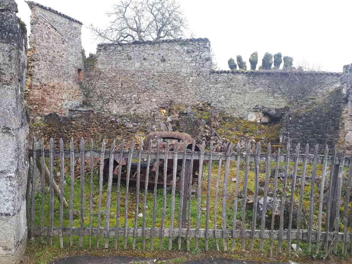 [ Histoire et histoires ]  Voyage pédagogique à Oradour-sur-Glane (87) avec des lycéens de Fouesnant 4610