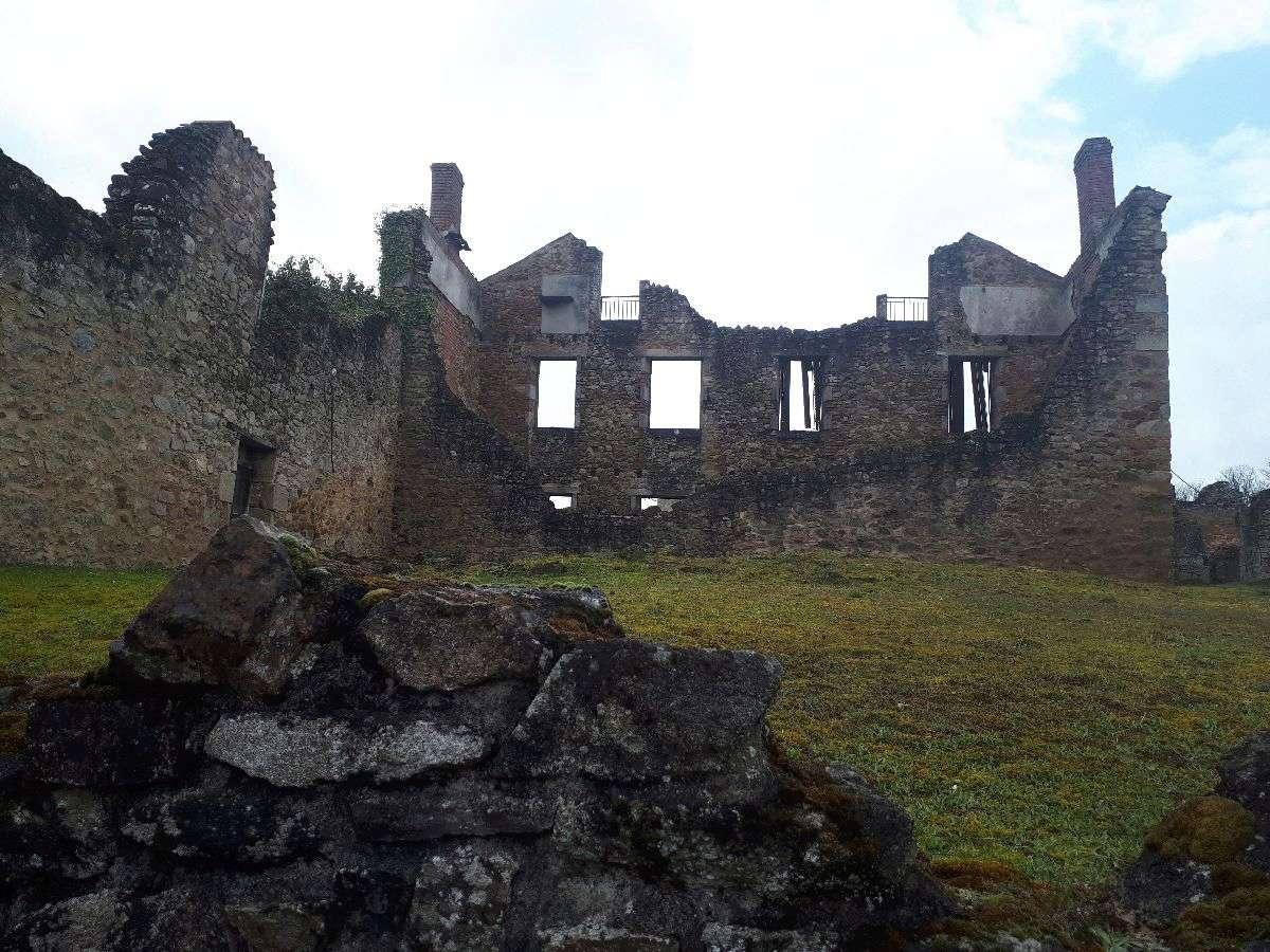 [ Histoire et histoires ]  Voyage pédagogique à Oradour-sur-Glane (87) avec des lycéens de Fouesnant 4710