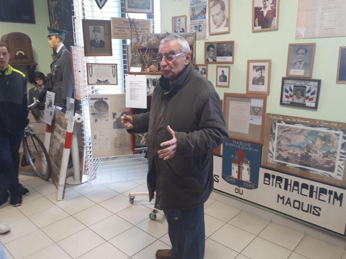 [ Histoire et histoires ] Rencontre lycéens Fouesnantais avec Edgar le Charentais (97 ans) mémoire vivante du maquis de Bir Acheim  4_lui_10