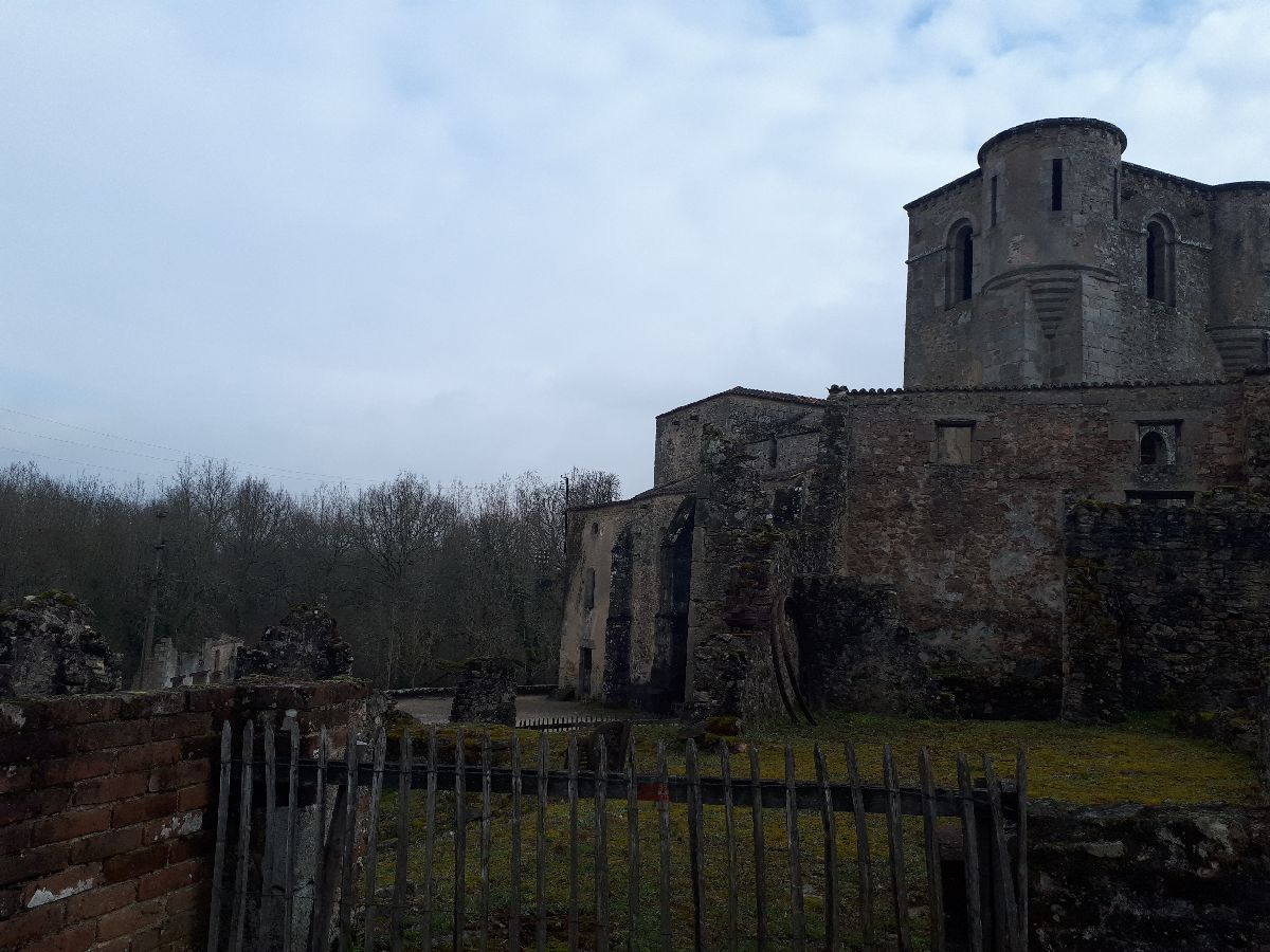 [ Histoire et histoires ]  Voyage pédagogique à Oradour-sur-Glane (87) avec des lycéens de Fouesnant 5210