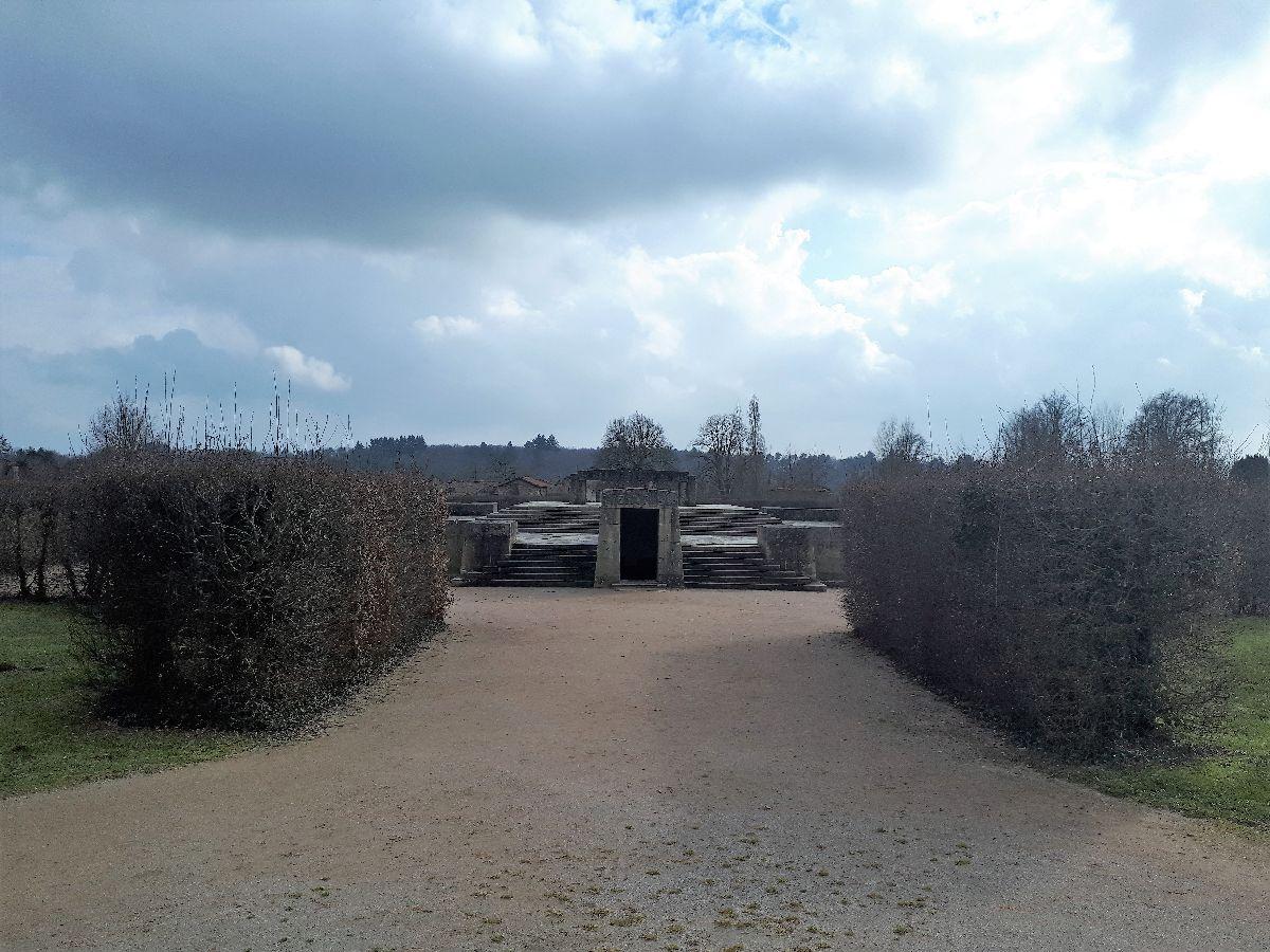 [ Histoire et histoires ]  Voyage pédagogique à Oradour-sur-Glane (87) avec des lycéens de Fouesnant 57_la_10