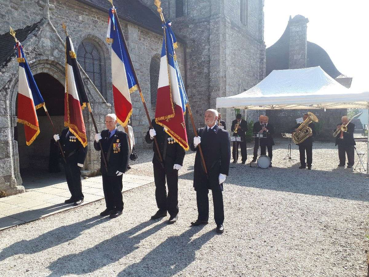 [ Histoires et histoire ] Commémoration du 8 mai 1945 à Fouesnant 5_avan10