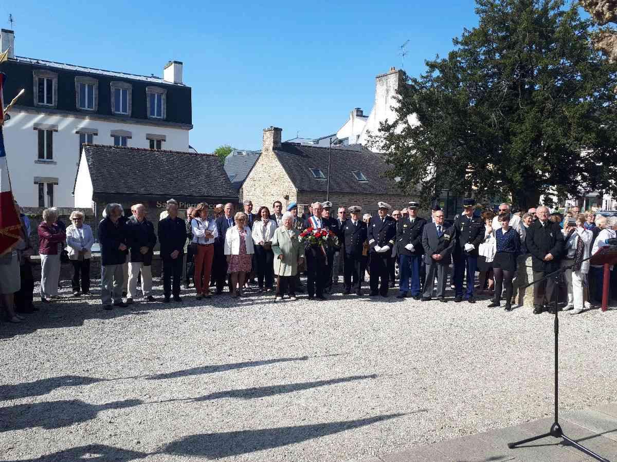 [HISTOIRES ET HISTOIRE] Commémoration du 8 mai 1945 à Fouesnant 6_le_p10