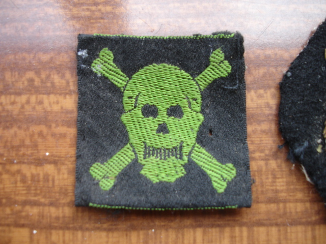 3 insigne tissus ancien à identifier Dsc08212