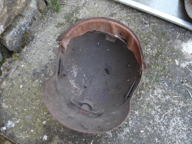 casque allemand et casque dca jus de grange Dsc08263