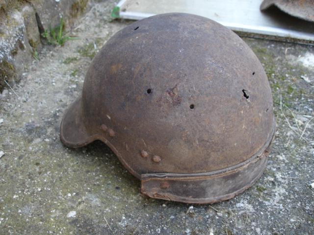 casque allemand et casque dca jus de grange Dsc08264