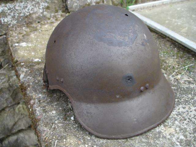 casque allemand et casque dca jus de grange Dsc08265