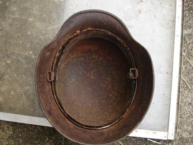 casque allemand et casque dca jus de grange Dsc08275