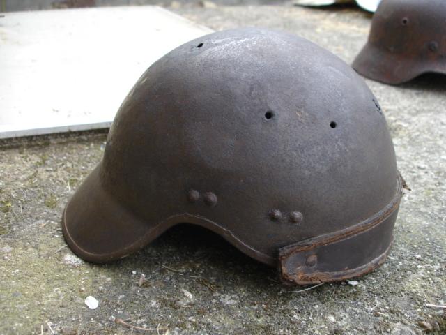 casque allemand et casque dca jus de grange Dsc08281